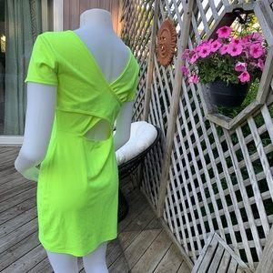 Dresses - Neon green short sleeve dress